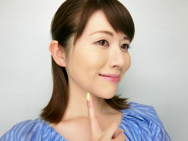 【2】フェイスラインは小顔効果も狙ってノーファンデ